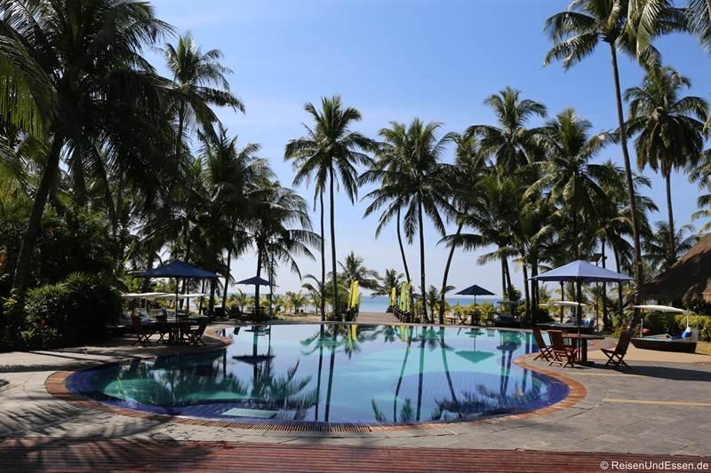 Pool im Hotel Myanmar Treasure Resort in Ngwe Saung