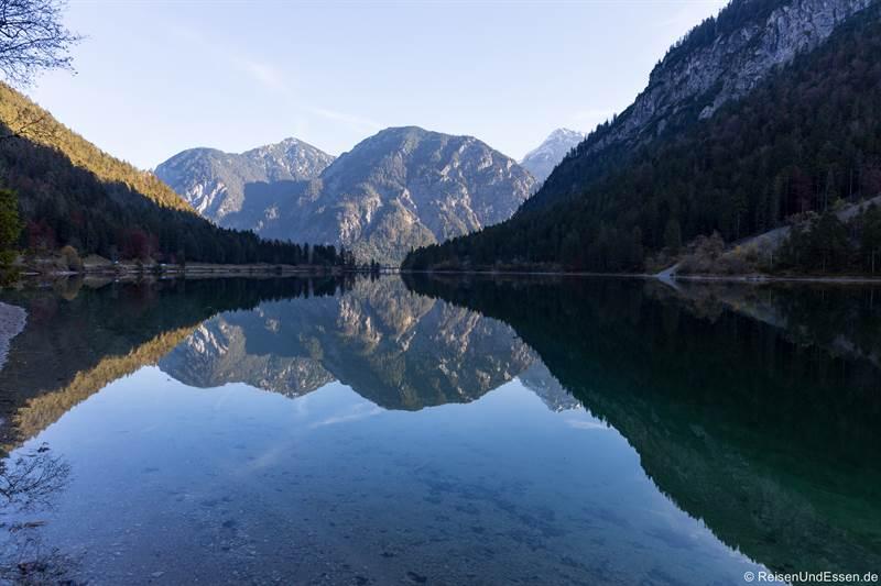 Spieglung im Plansee in Tirol - Fotoparade 2020