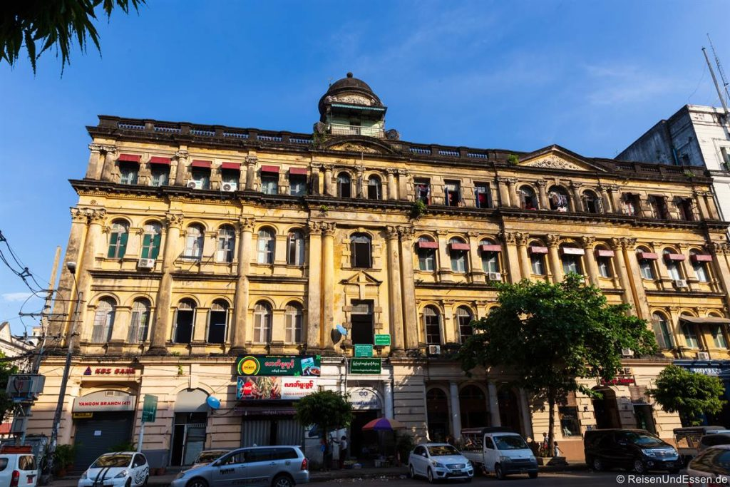 Ehemaliges Kolonialgebäude in Yangon