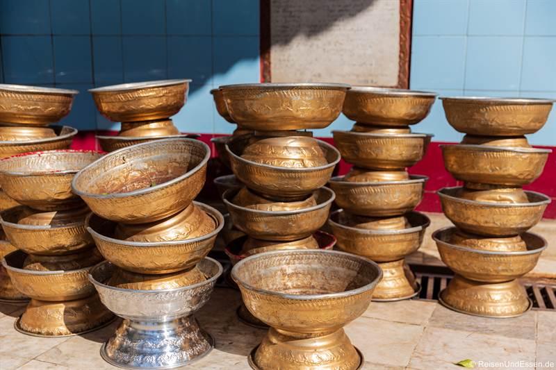 Bettelschalen der Mönche in der Sule-Pagode