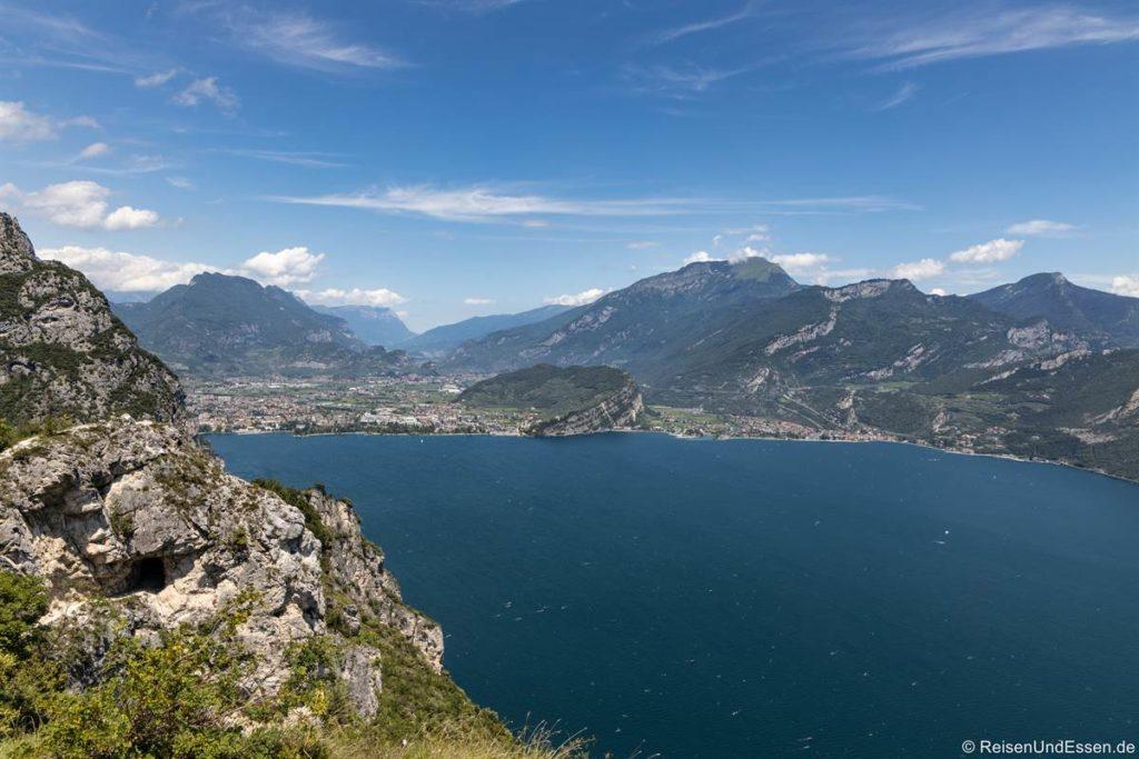 Aussichtspunkt bei Pregasina auf den Gardasee in Richtung Riva del Garda