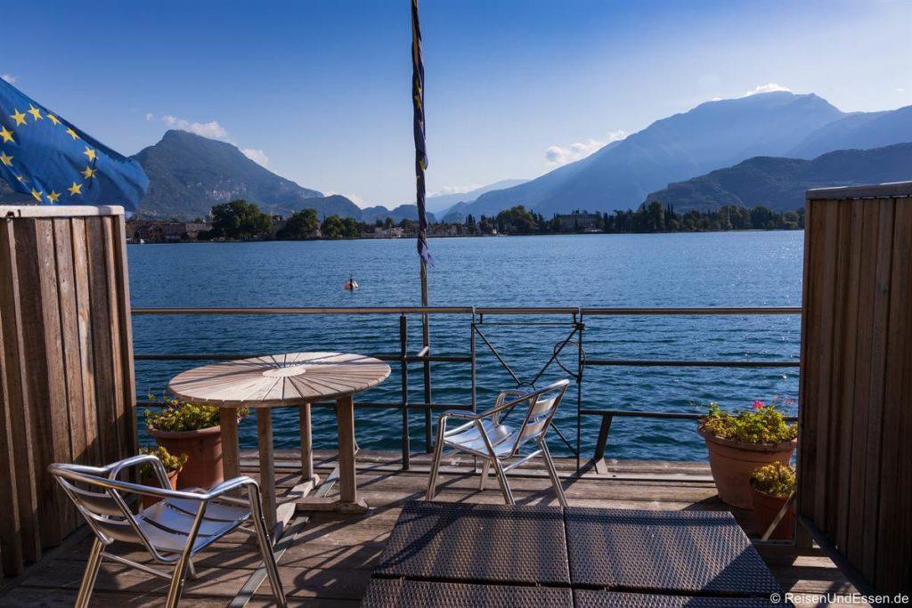Terrasse im Apartement Excelsior in Riva del Garda