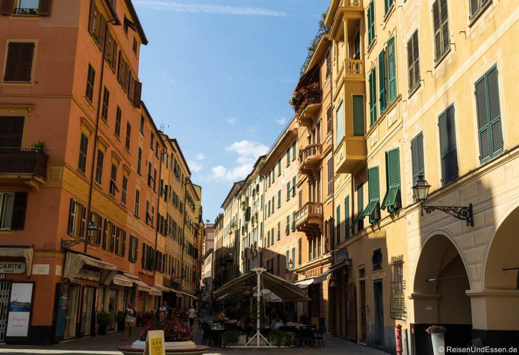 Straße und Häuser in Santa Margherita Ligure
