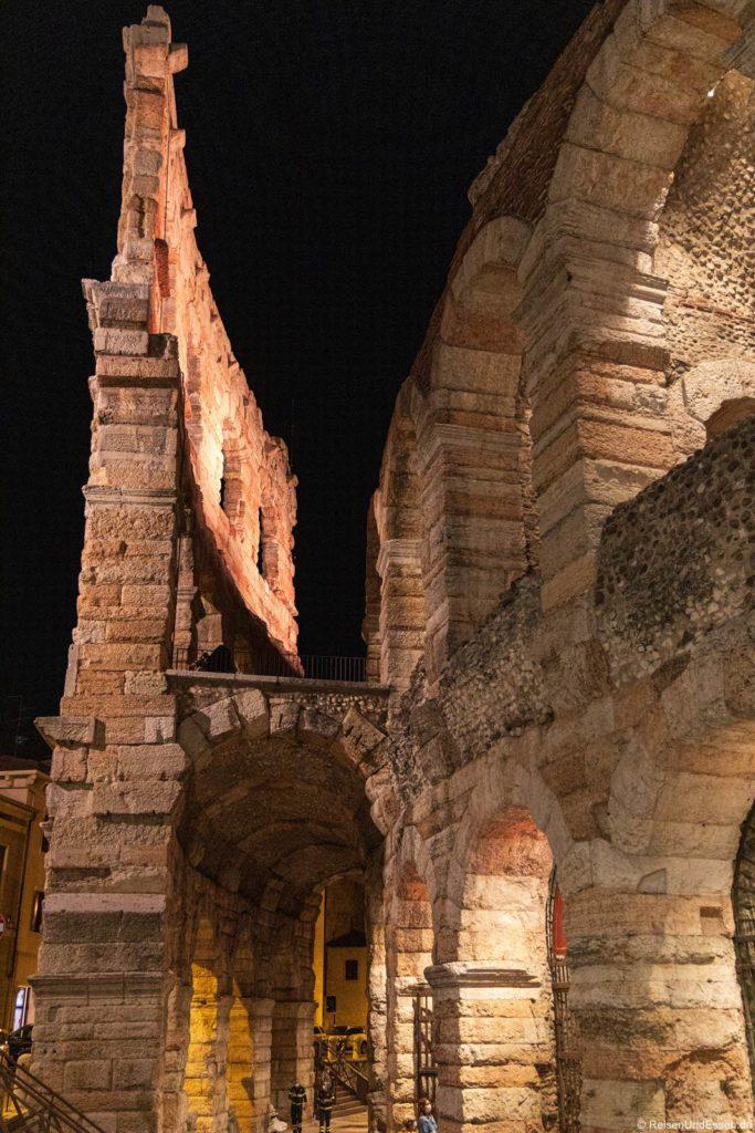 Arena von Verona bei Nacht