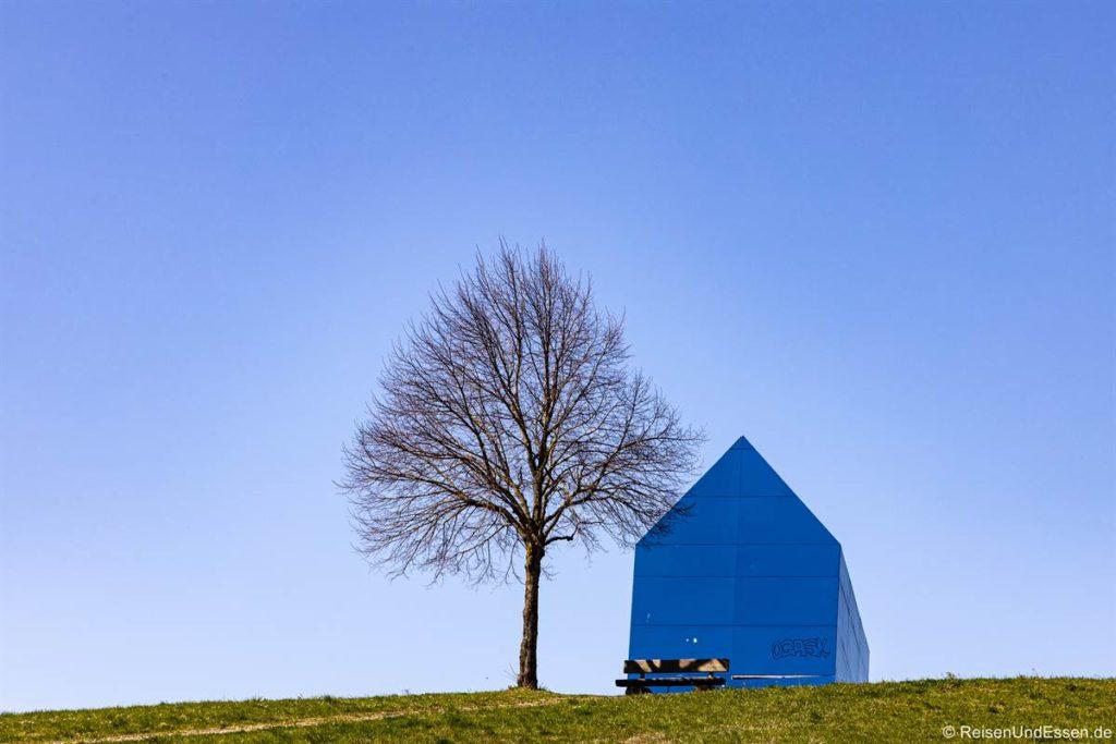 Blaues Haus von Ottmar Hörl