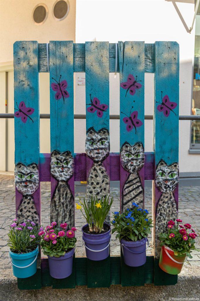 Kunst an einer Europalette in der Altstadt