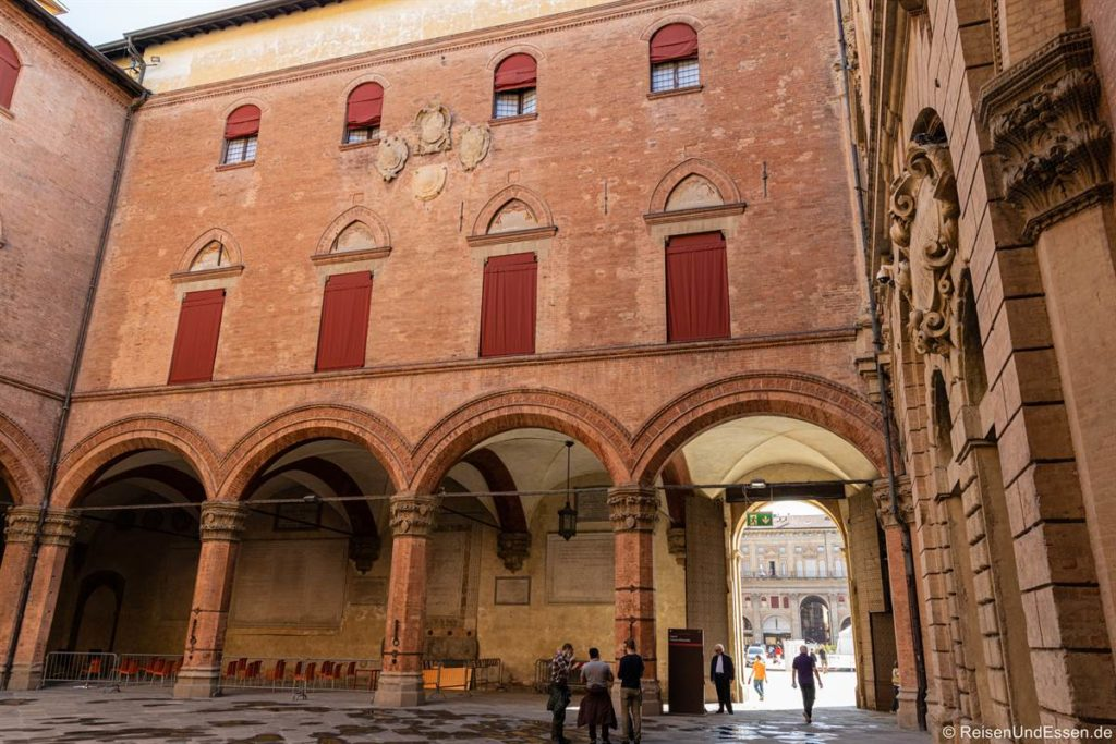 Biblioteca Salaborsa am Piazza del Nettuno in Bologna
