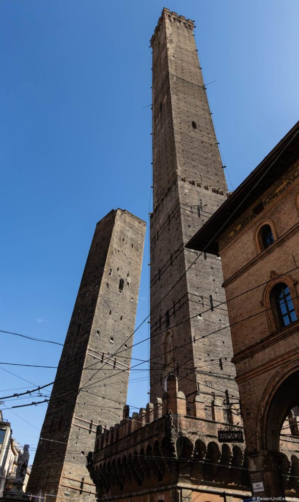 Garisenda – Sehenswürdigkeiten in Bologna