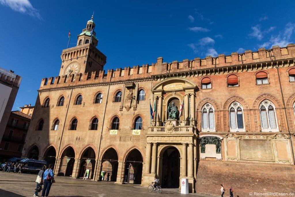 Palazzo Accursio am Piazza Maggiore in Bologna
