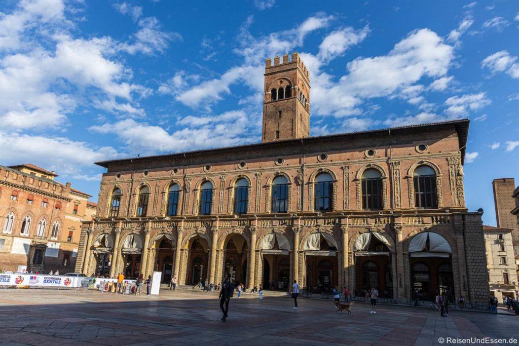 Gebäude an der Piazza Maggiore