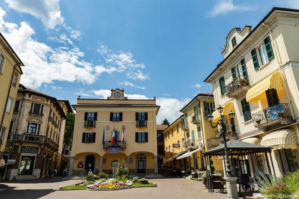 Piazza in Baveno