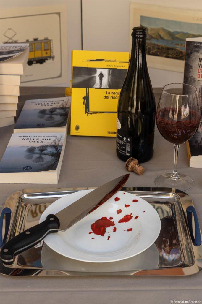 Buchhandlung in Stresa mit Krimi