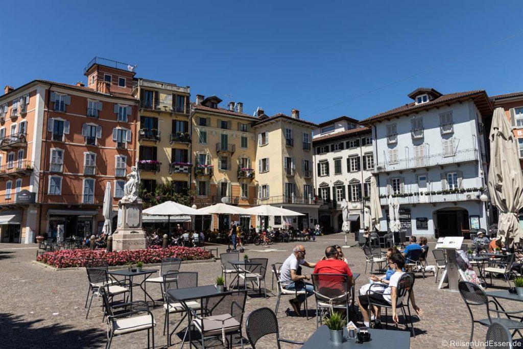 Piazza Daniele Ranzoni im Stadtteil Intra von Verbania
