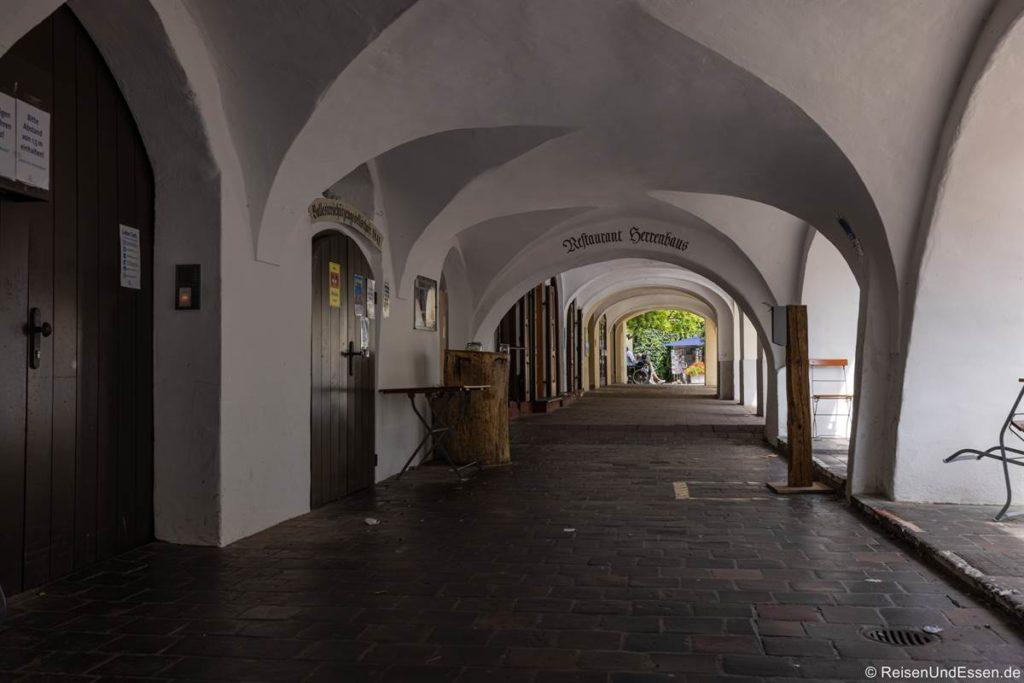 Arkaden in der Herrengasse in Wasserburg am Inn
