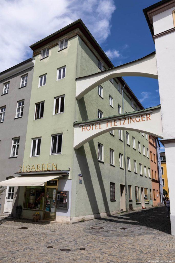 Haus mit Torbogen in der Altstadt
