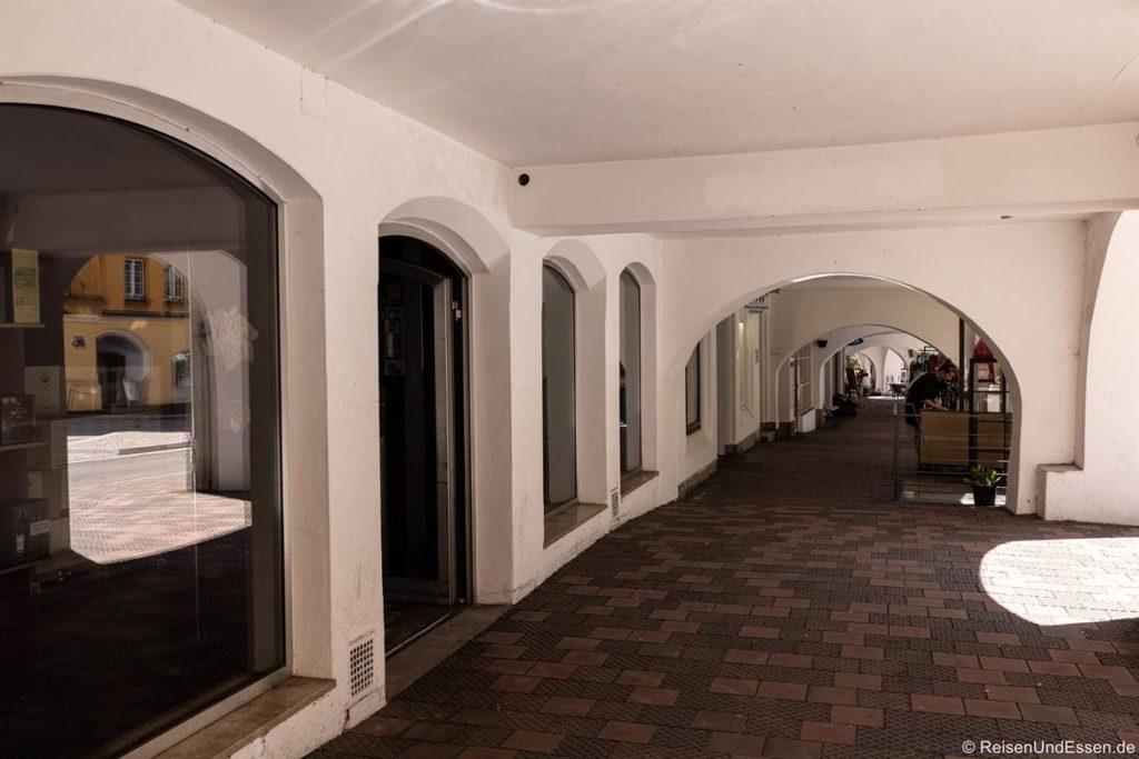 Arkaden am Marienplatz in Wasserburg